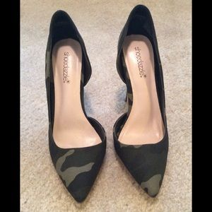 Brand new Camo green heels. Absolutely gorgeous.